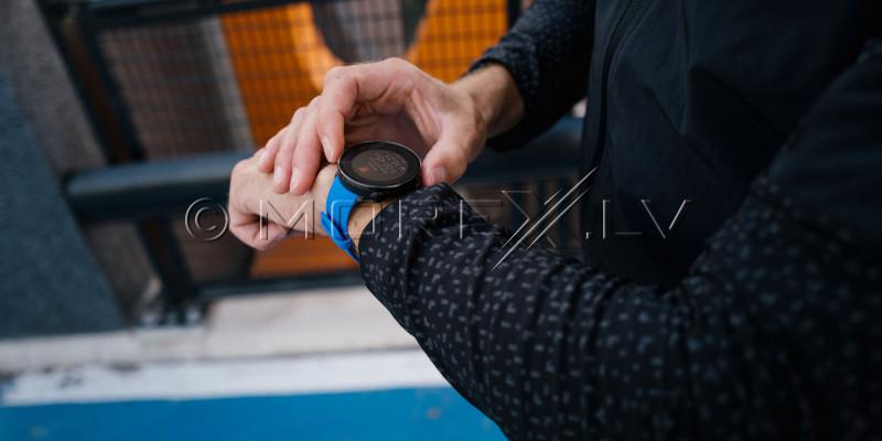Sportinius laikrodžius POLAR VANTAGE V BLUE, M/L