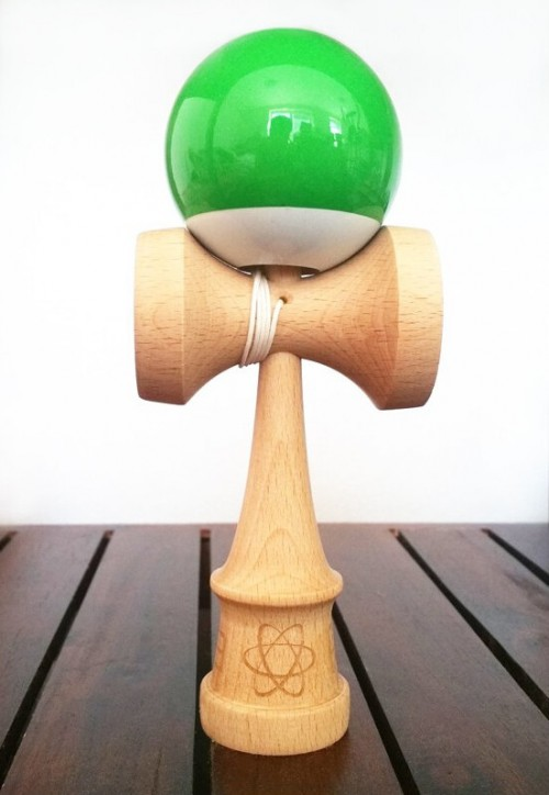 Kendama Aura Green/White Split Beech